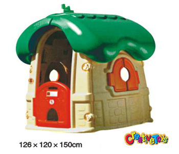 Children plastic playhouse